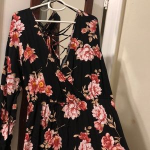 Floral maxi dress with slide slit